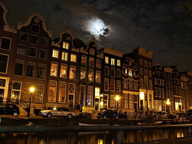 night_in_amsterdam_by_csipesz-d49qeg4